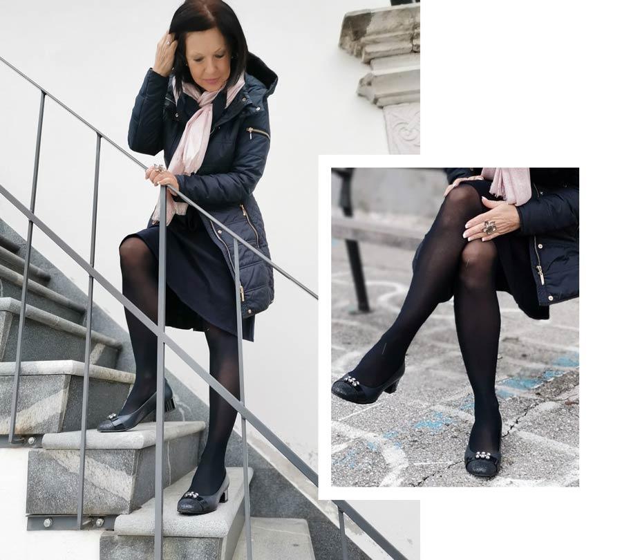 Črne nogavice so varna izbira.
